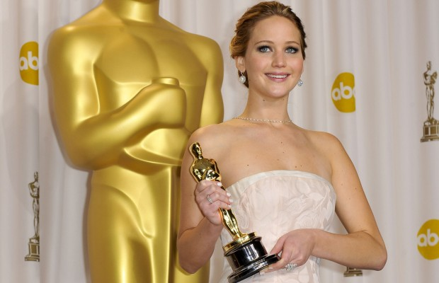JENNIFER LAWRENCE took a fall but handled it with grace!!
